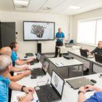 Technische opleiding in een bedrijf met CTOUCH