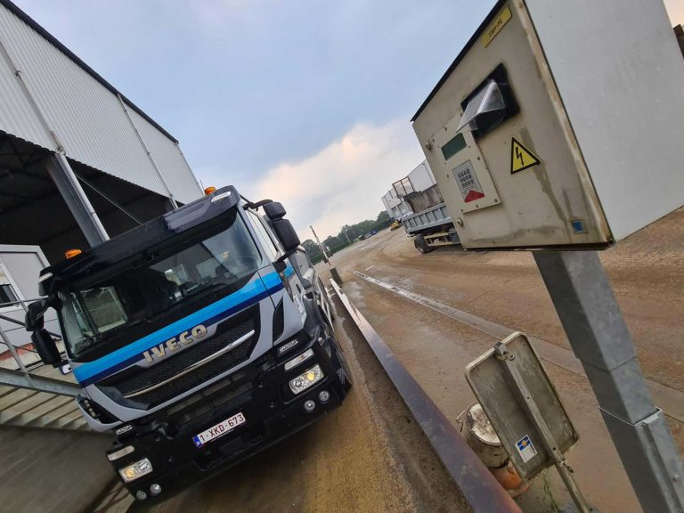 Hegrola weighbridge truck