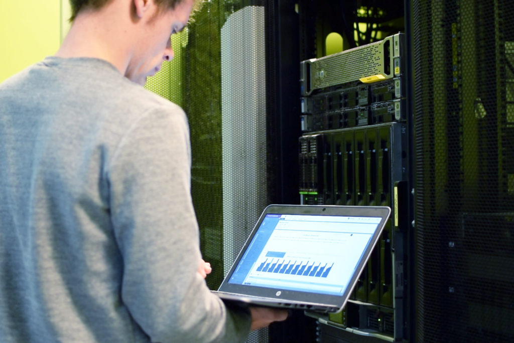 Wouter monitors infrastructure within managed services